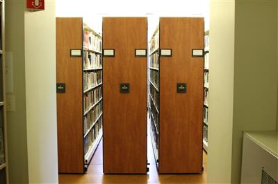Optimized book storage on powered mobile solutions
