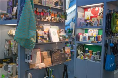 Mobile shelving gift shop